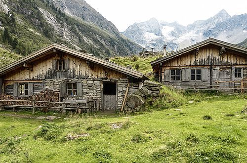A secluded and solitary Hochleger-Alm