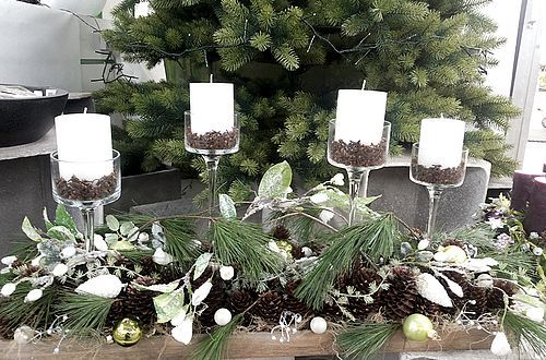 It doesn't always have to be a wreath – a winter arrangement with four advent candles